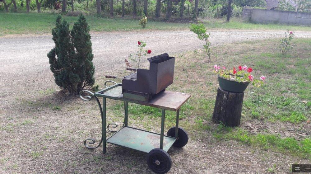 Aire camping-car à Amné (72540) - Photo 3